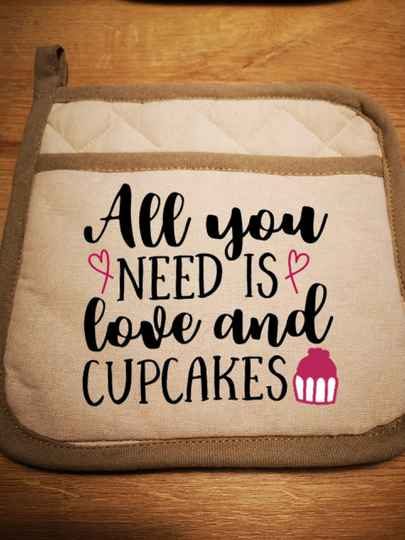 Pannenlap - All you need is love and cupcakes