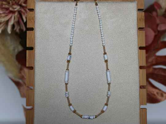 Beads necklace gold/white
