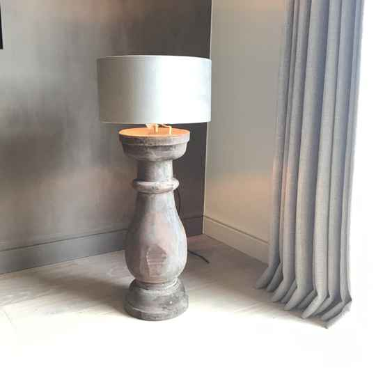 Balusterlamp in hout (21731)