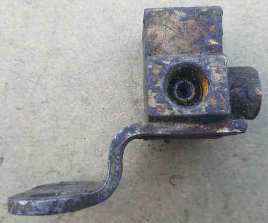 G122 Staghound - Tee, connector frt brake extension pipe