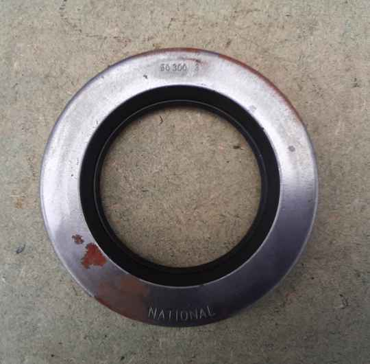 G508 Oil Seal, transfer case mainshaft bearing cap. Split only
