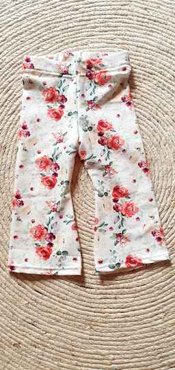Flaired pants | Roses