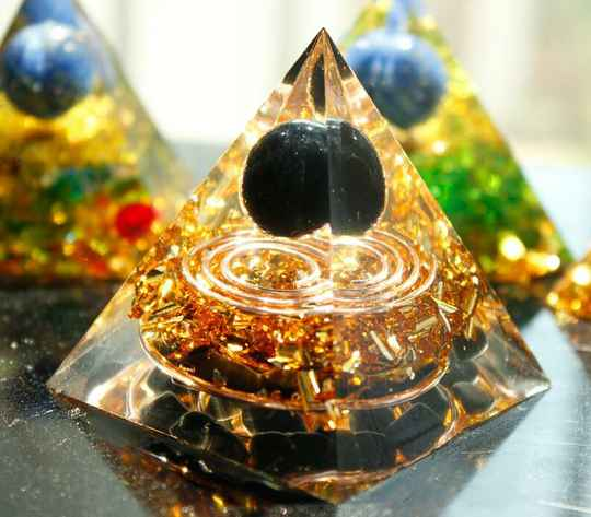 obsidiaan piramide orgonite