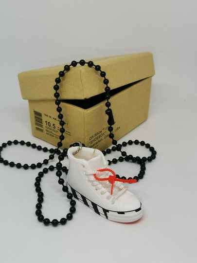 """Converse """"off white"""" necklace"""