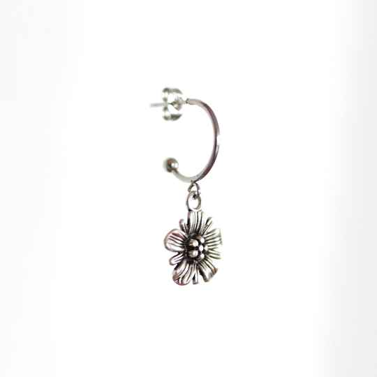 Oorbel Flying Daisy Zilver (1 piece)