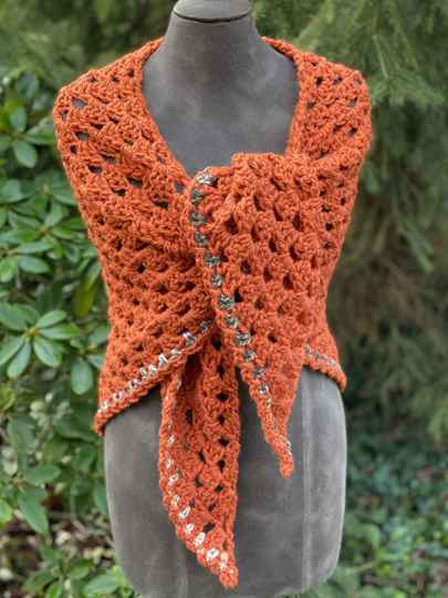 Chunky Hug - Rusty red-brown w/ subtle coloured edge, no-wool