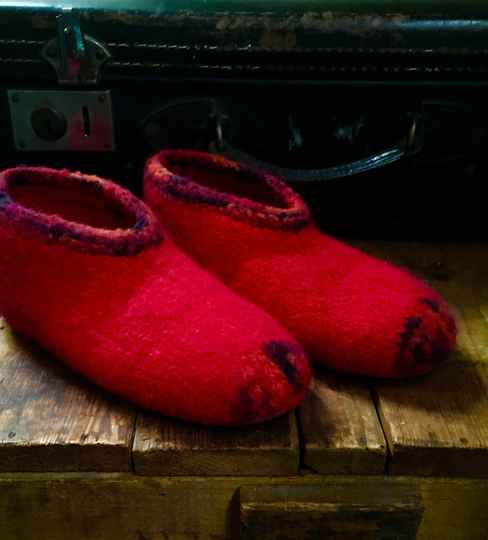 Slippers, Red - EU size 35-36, US 5; UK 3