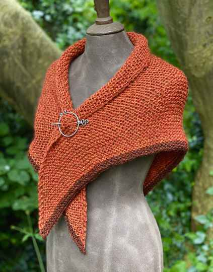 Claire's Shawl, Roest-Rood met Roest-Bruine rand