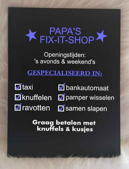 Tekstbord 'Papa's fix-it shop'