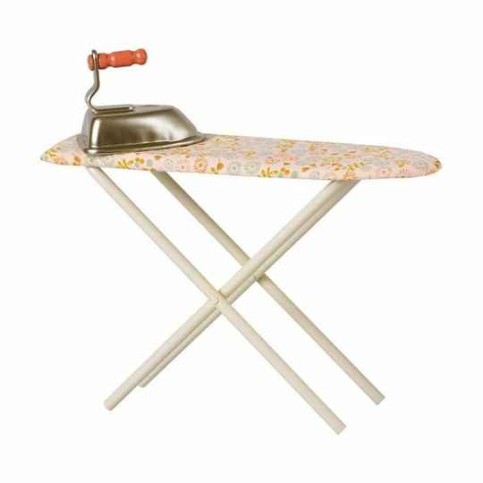 Maileg. Iron en Ironing board