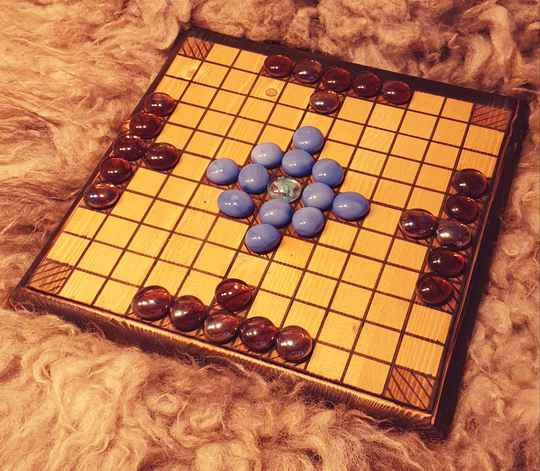 Hnefatafl 25x25 glass game pieces