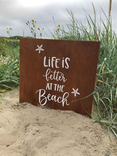 Tekstbord Life is better at the beach