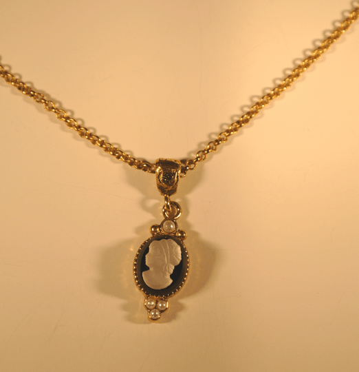Camps & Camps Collier Gold Chain Camee Zwart