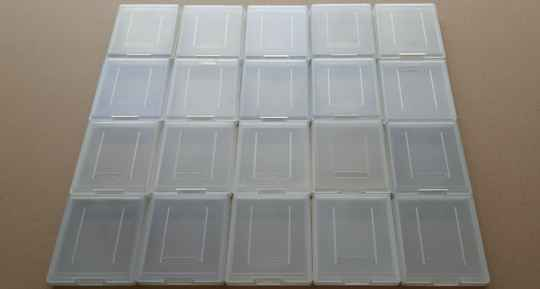 Game Boy - Lot of 20 Nintendo protection cases for Game Boy cartridges