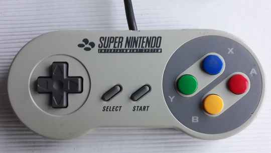 Super Nintendo - Controller SNSP-005 (region free) fair to good