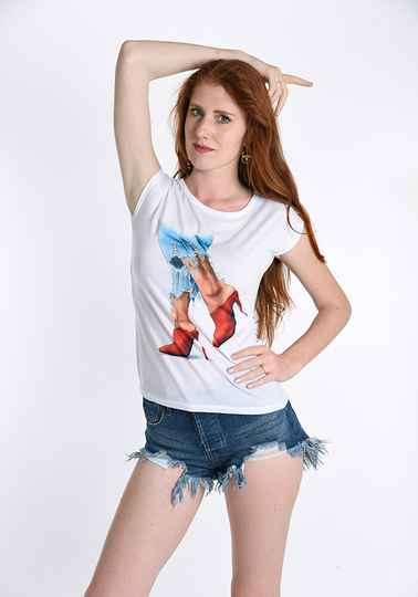 T-shirt Red Shoes