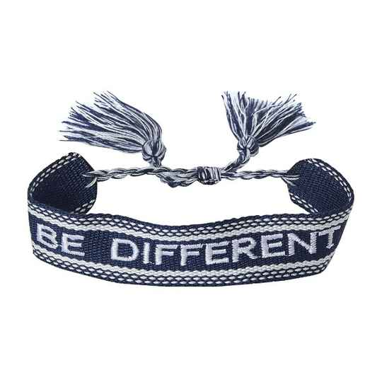 "Armband ""Be different"""