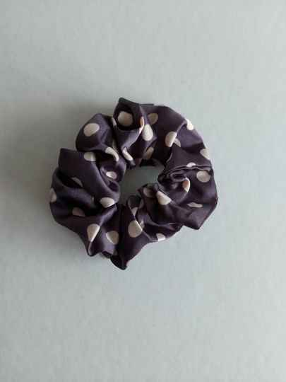 Dots scrunchie | purple lila