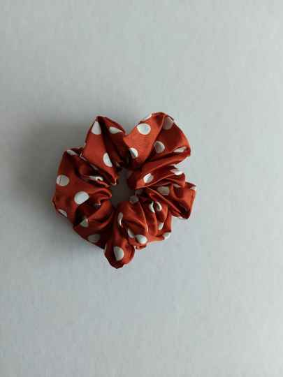 Dots scrunchie | rust white