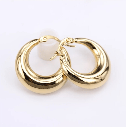 Hoop earrings | plain 70's big gold