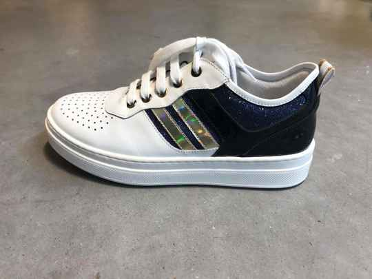 SNEAKER RTB WIT NAVY GOUD STRASS