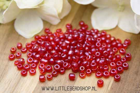 Rocailles Clear Red 4mm, 27 gram - RC006