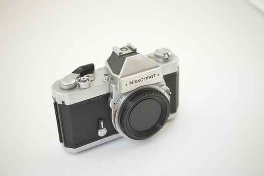 Nikon  -  Nikkormat FT2 chrome body ser.nr. 5000783