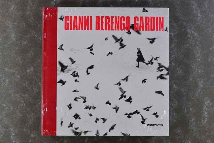 Gardin, Gianni-Berengo  -  Gianni Berengo Gardin (New in plastic!) (Extremely rare!) (XL-book!)