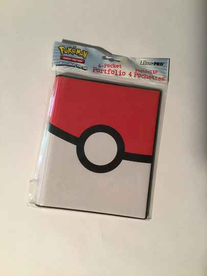 Pokemon • 4 pocket portfolio • pokeball