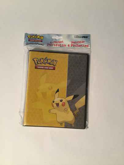 Pokemon • 4 pocket portfolio • ultra pro
