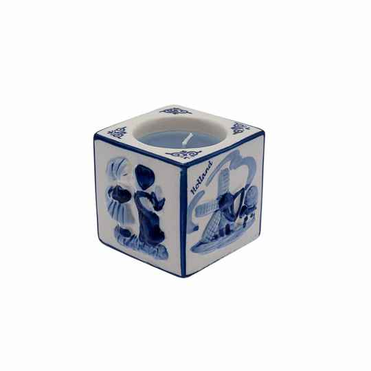 Tealight holder kissing couple