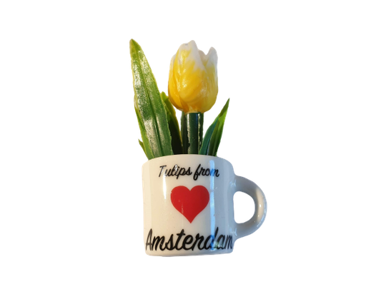 Magnet yellow tulip in mug