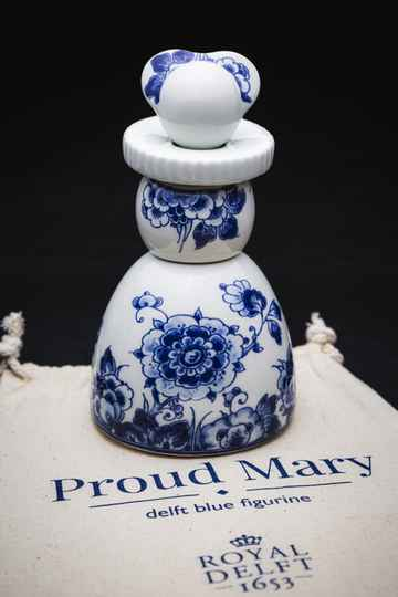 Proud Mary- Classic Flower
