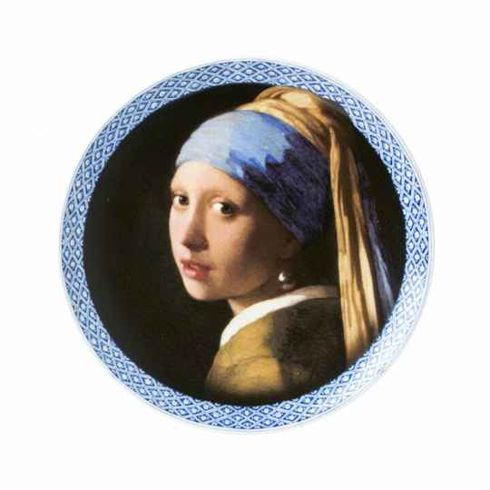 Plate: Girl with a pearl earring