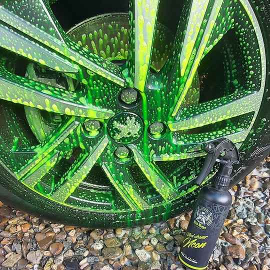 Badboys wheelcleaner neon