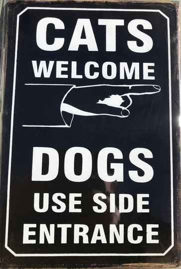 Cats welcome! Dogs..