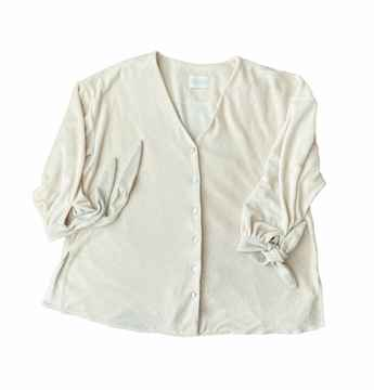 The daydreamer's blouse