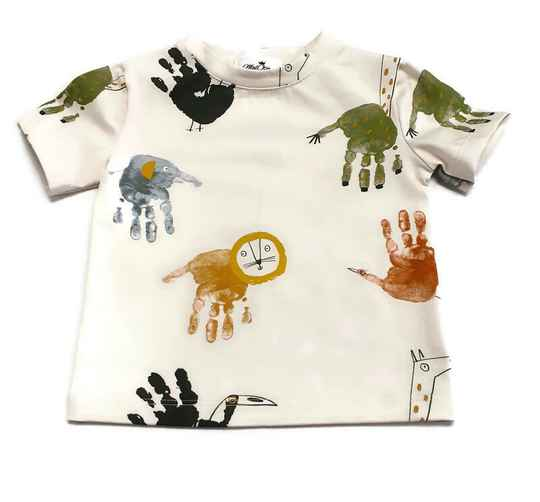 T-shirt, animal hands.