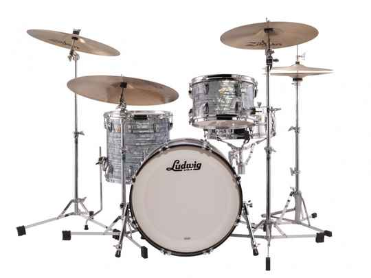 Ludwig Classic Maple, Downbeat Sky Blue 20""
