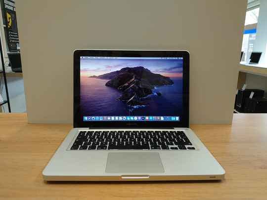 MacBook Pro | 13 inch | Core i5 | 128GB SSD | Catalina