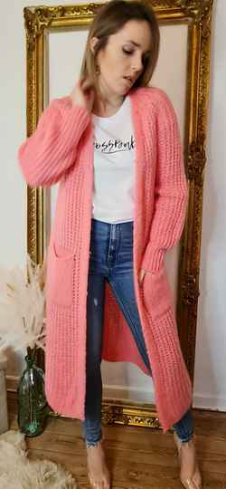 Knitted long hot pink gillet