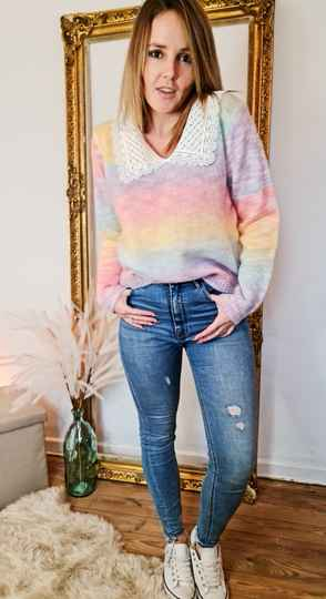 Rainbow lace knitted pull