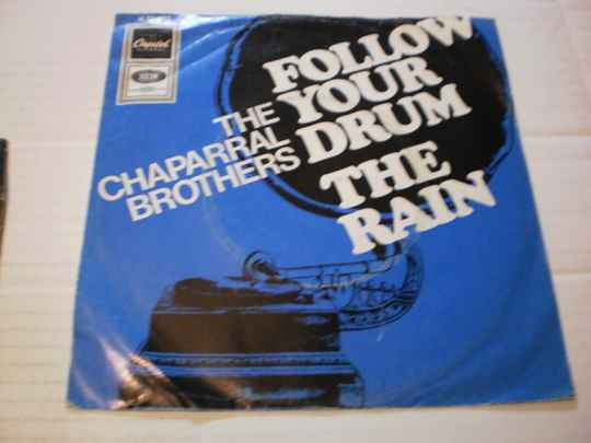 Single The Chaparral Brothers - Follow your drum