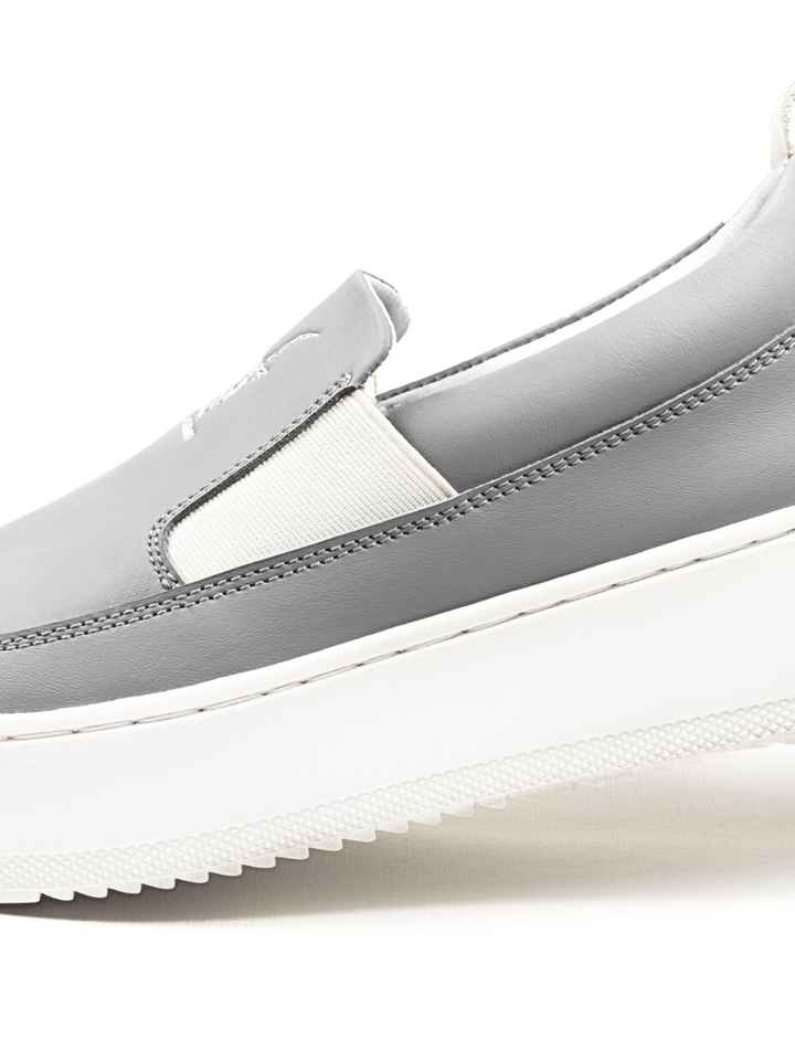 Low top laceless sneakers - Grey/white