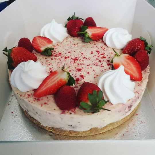Large Cheesecakes