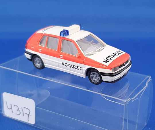 Wiking  - VW Golf notartz (4317)