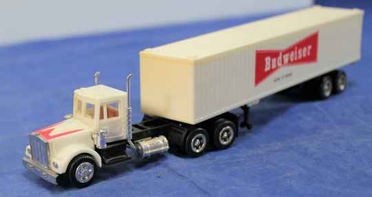 Herpa 1/87 Chevrolet Bison truck with Budwiser container.