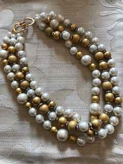 3 String Gold Coloured & Pearls with Diamante Rondels