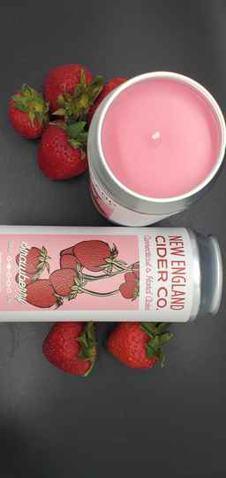 Strawberry Cider CANdle 🍓