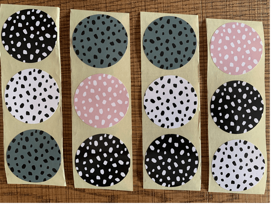 Dots / stickers